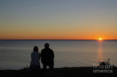 Photograph - Couple Silhouettes By Sunset by Kennerth and Birgitta Kullman
