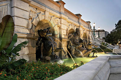 Government Photograph - Court Of Neptune Fountain by Greg Mimbs