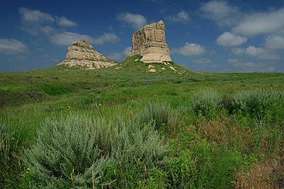 Courthouse Rock Photograph - Courthouse And Jail Rock In Nebraska by Garry McMichael