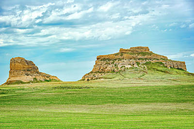 Photograph - Courthouse And Jail Rocks  - Nebraska  -  002 by Frank J Benz