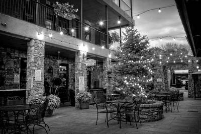 Courtyard In Blue Ridge In Black And White Art Print by Greg Mimbs