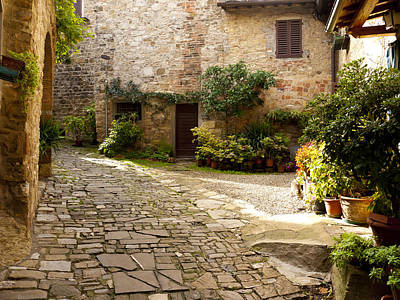 Courtyard In Montefioralle Print by Rae Tucker