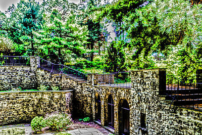 Photograph - Courtyard Walls by William Norton