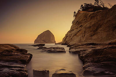 Photograph - Cove Sunset by Don Schwartz