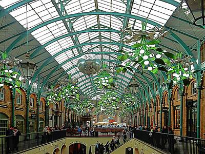Photograph - Covent Garden Christmas Interior by Dorothy Berry-Lound