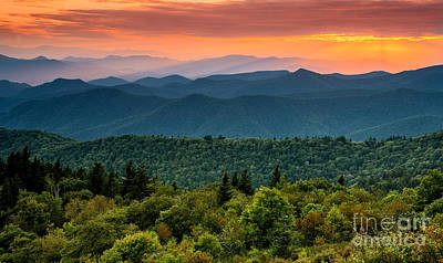 Photograph - Cowee Sunset. by Itai Minovitz