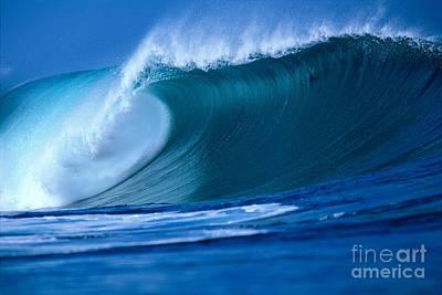 Crashing Wave Art Print by Vince Cavataio - Printscapes