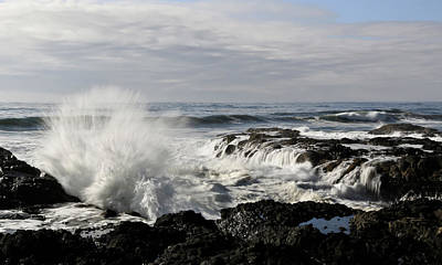 Photograph - Crashing Waves At Cape Perpetua by Athena Mckinzie