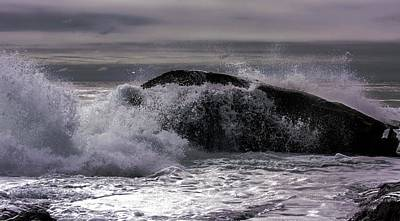 Photograph - Crashing Waves by Sherman Perry