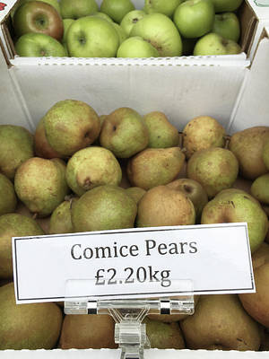 Local Food Photograph - Crate Of Pears by Tom Gowanlock