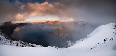 Photograph - Crater Lake Partialy Foggy by William Lee