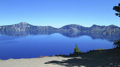 Photograph - Crater Lake by Tony Mathews