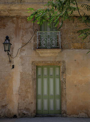 Of Peaches Photograph - Cream And Green Door In Old Havana With Peach Exterior by Bridget Calip