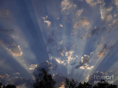 Photograph - Crepusuclar Rays by Bob and Jean Pollock