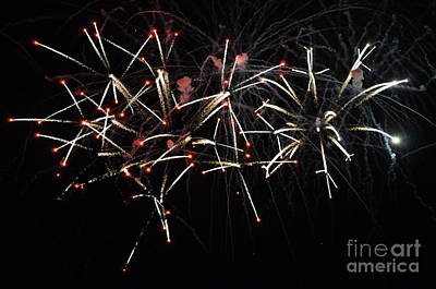 July 4 Mixed Media - Crossette Fireworks by Frederick Holiday