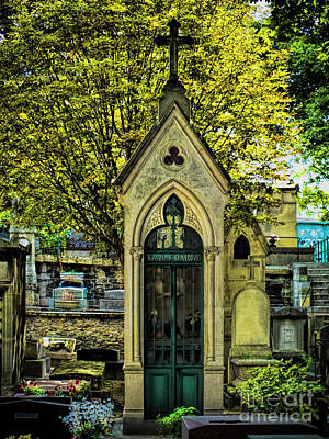 Photograph - Crypt In Montmartre by Karen Lewis