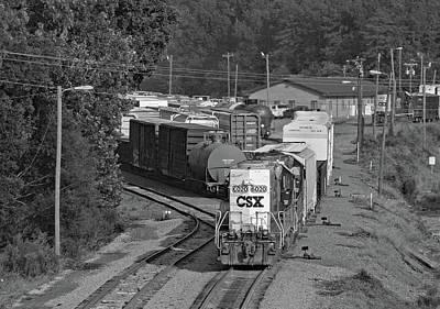 Photograph - Csxt Gp40-2 #6020 B W by Joseph C Hinson Photography