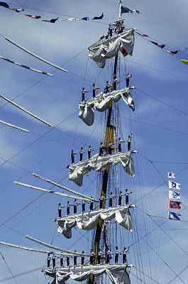 Photograph - Cuauhtemoc Mast With Singers by Steven Richman