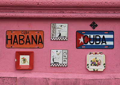 Photograph - Cuban Cafe by Cliff Wassmann