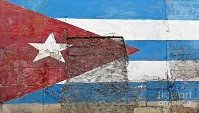 Photograph - Cuban Flag Mural by Ethna Gillespie