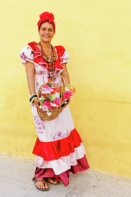 Photograph - Cuban Flower Vendor II by Dawn Currie
