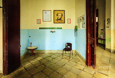 Photograph - Cuban Principle's Waiting Room by Craig J Satterlee