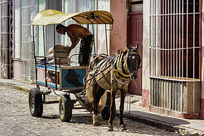 Photograph - Cubano Taxi Color by Dawn Currie
