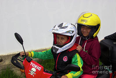 Print featuring the photograph Cuenca Kids 889 by Al Bourassa