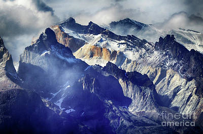 Photograph - Cueros Del Paine Patagonia by Bob Christopher