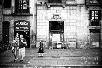 Photograph - Culture On La Rambla by John Rizzuto