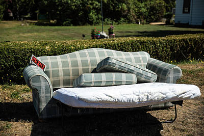 Photograph - Curbside Bedroom For Sale by Tom Cochran