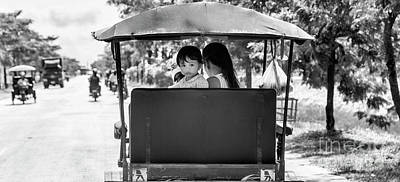 Tuk Tuk Photograph - Curious Child Tuk Tuk Bw by Chuck Kuhn