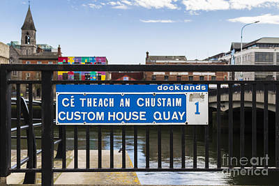 Photograph - Custom House Quay by Jim Orr