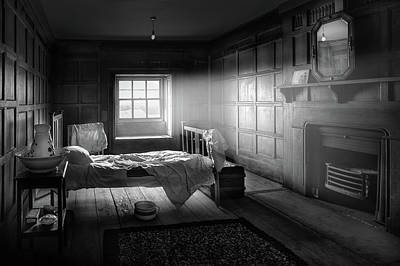 Cusworth Photograph - Cusworth Hall Servants Bedroom by Ian Barber