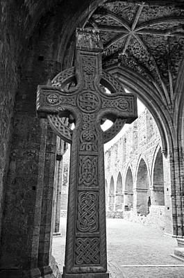 Photograph - d Gothic Ceiling Jerpoint Abbey County Kilkenny Ireland Black and White by Shawn O'Brien