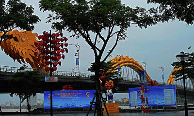 Photograph - Da Nang Statues 21 by Ron Kandt