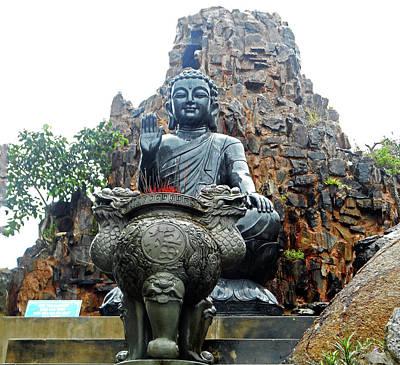 Photograph - Da Nang Statues 3 by Ron Kandt