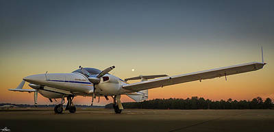 Photograph - Da42 On A Super Moon Morning by Philip Rispin