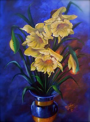 Daffodils In Cobalt Vase Art Print by Micheal Giddens