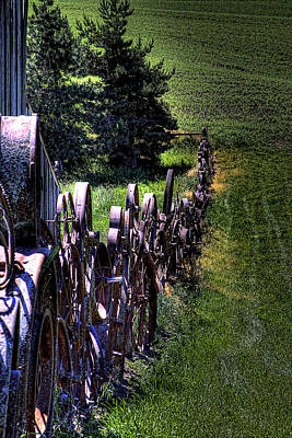 Wheel Photograph - Dahmen Fenceline by David Patterson