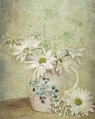 Old Pitcher Mixed Media - Daisy Delight by Maria Dryfhout