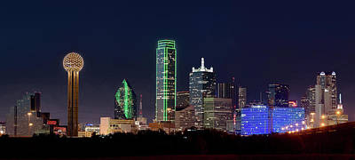 Dallas Skyline Photograph - Dallas Skyline 071316 by Rospotte Photography
