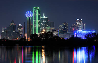 Photograph - Dallas Skyline 13118 by Rospotte Photography