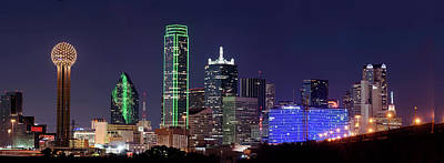 Photograph - Dallas Skyline Colors 112117 by Rospotte Photography