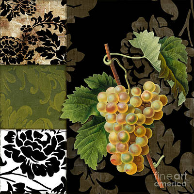 White Grape Painting - Damask Lerain Wine Grapes by Mindy Sommers