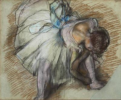 Retro Portret Painting - Dancer Adjusting Her Shoe 1885 by Edgar Degas