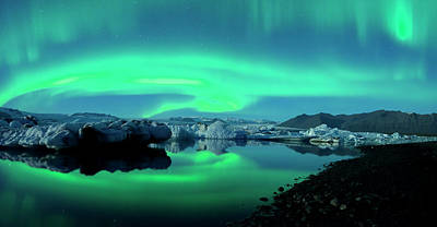 Print featuring the photograph Dancing Auroras Jokulsarlon Iceland by Brad Scott