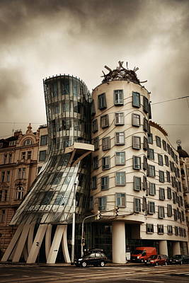 Photograph - Dancing House by Songquan Deng