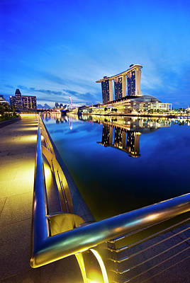 Dawn At Marina Bay Promenade Singapore Art Print