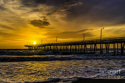 Dawn At The Virginia Pier Art Print